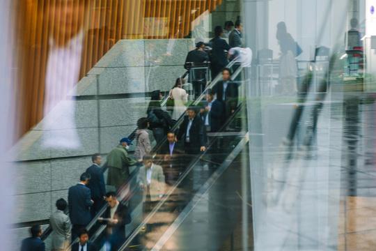 空気を読む日本人のイメージ