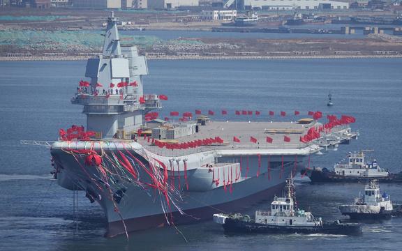 中国の新型空母001A型