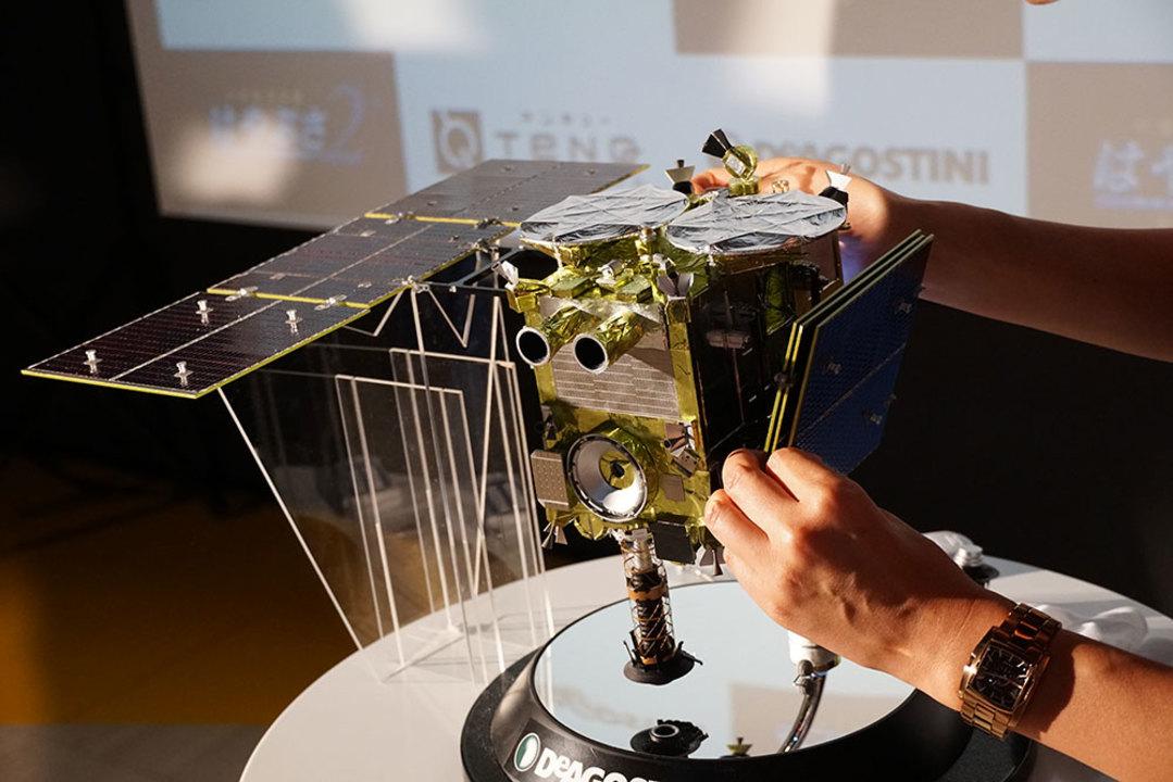 はやぶさ2模型 太陽電池パドル
