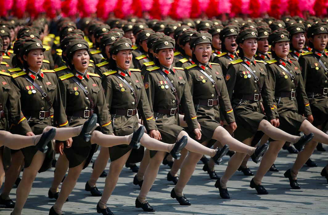 朝鮮人民軍の行進