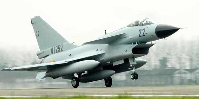 J-10戦闘機