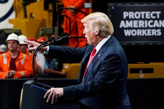 演説中のトランプ大統領