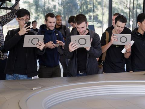 iPadを使う人たち