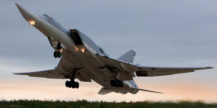 ロシアが超音速爆撃機ツポレフ22...