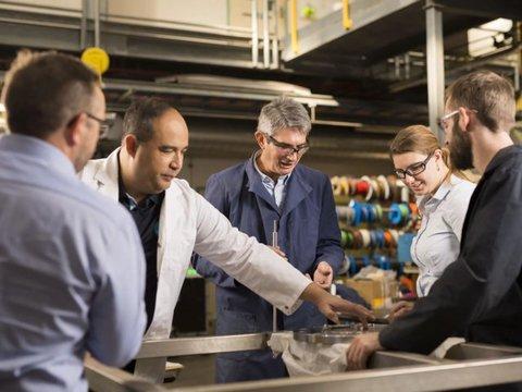オーストラリア連邦科学産業研究機構(CSIRO)の科学者たち