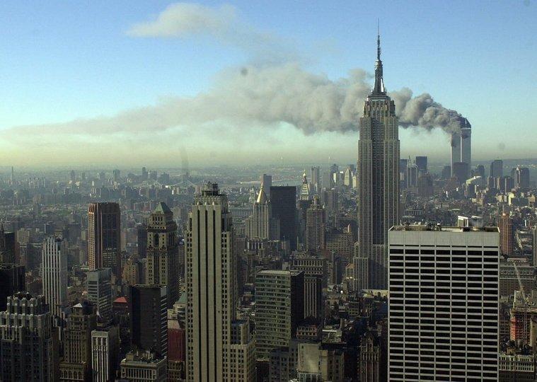 同時多発テロ事件:攻撃を受けた世界貿易センタービル