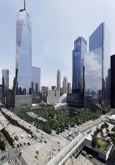 同時多発テロ:完成した3 WTCとワンワールドトレードセンター