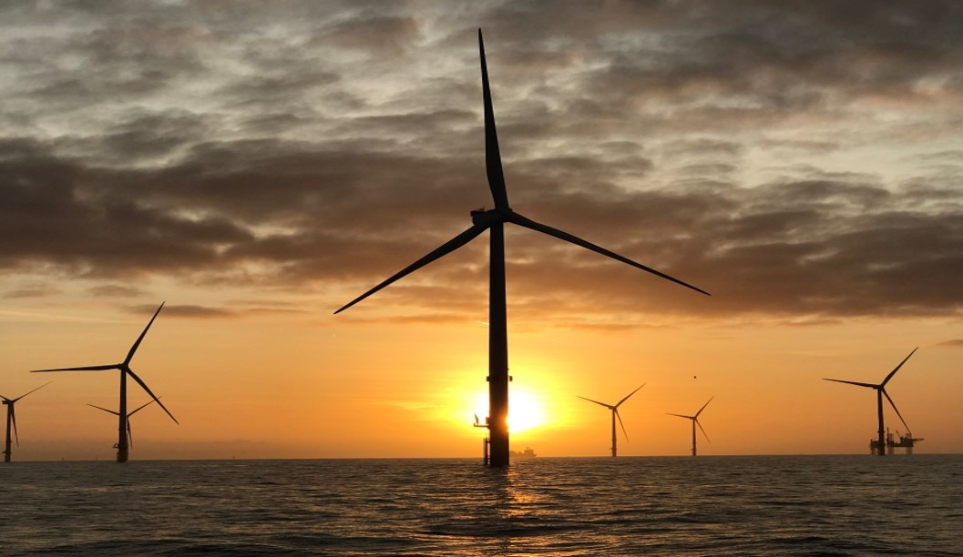 世界 最大 洋上 風力 発電 所 イギリスで建設が始まった、450万世帯のエネルギーを賄う世界最大の洋...