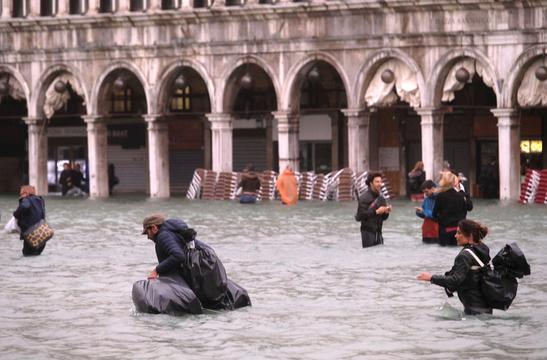 冠水したベネチア