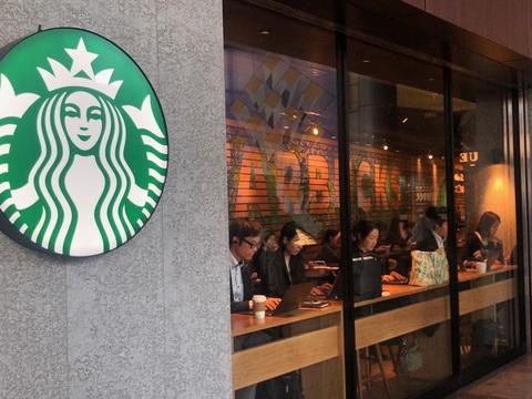 スタバとLINEが手を組んだ。事前注文とスマホ決済で行列不要に?   Business Insider Japan