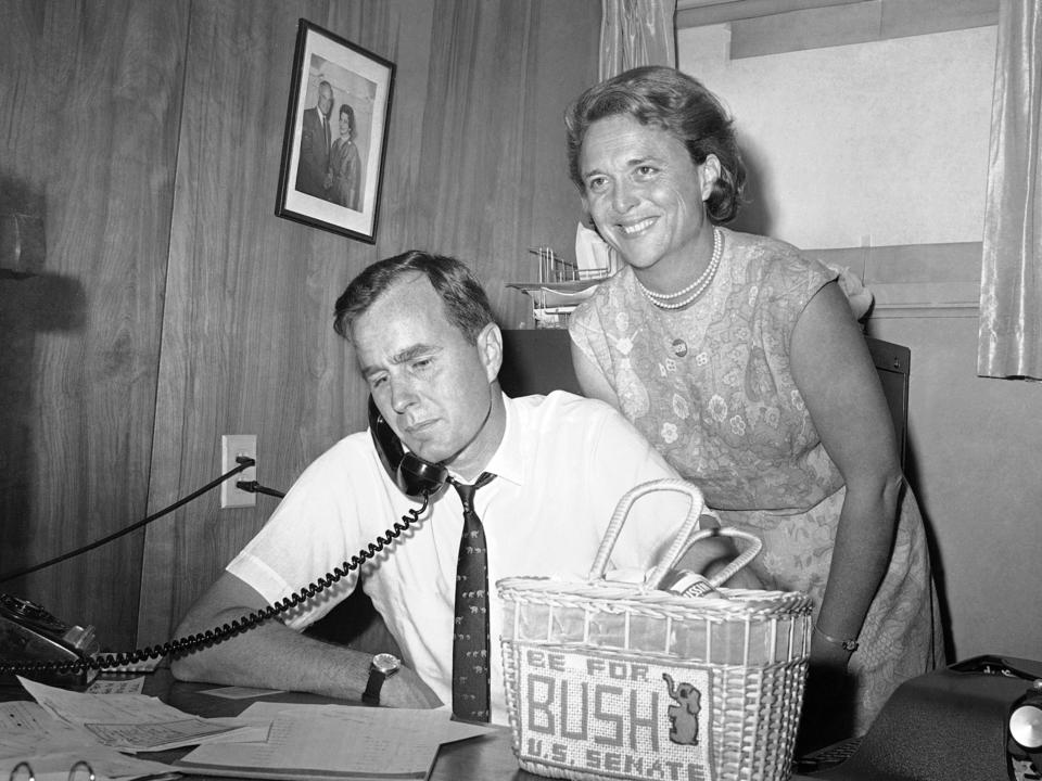 """写真で振り返る、ジョージ・H・W・ブッシュ元大統領の人生と彼が残したレガシー新着記事独メルセデス・ベンツ""""EV化10年計画""""を発表。高級セダン「EQS」から超高級車「マイバッハ」まで驚きの1.7億再生。TikTokで「楽天ポイントダンス」が世界的ブームになった理由…10代の心を掴む「全力」コンテンツ#私たちはここにいる 「差別に黙ることはない」世界で進む""""企業の政治参加""""。日本のLGBTQ支援にも変化買い物の基準が変わっていく──マクドナルドが考えるこれからの「サステナビリティ」世界をまったく違った視点から見せてくれる15枚…ドローン・フォト・アワード2020 優秀作サーキュラーな環境でテレワークを。白馬ワーケーションがこれからのビジネスに効果的な理由シンガポールで同じ港に発着の""""どこにも寄港しない""""クルーズ船が11月からスタートスイス発の電動スポーツカーがお目見え…BMW、ポルシェ、VWなどの出身者によるピエヒ・オートモーティブから【週間天気予報】関東は曇りや雨の一週間。各地で週前半と後半の気化に温変注意 10/13(火)〜10/19(月)GoTo割引に「異変」?1万4000円→3500円に引き下げたYahoo!トラベル・じゃらん・一休、楽天トラベルは回数制限…原因は「給付金枠」か"""