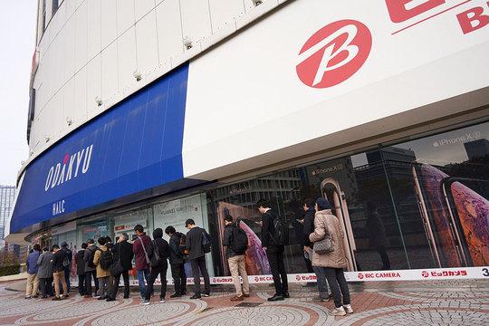 ビックカメラ新宿西口店。
