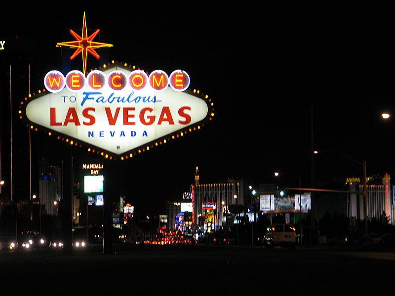 ラスベガスは、アメリカで最も楽しめる都市ランキングの常連だ。この街は、明るいネオンと、ノンストップで繰り広げられるエンターテインメントで名高い。