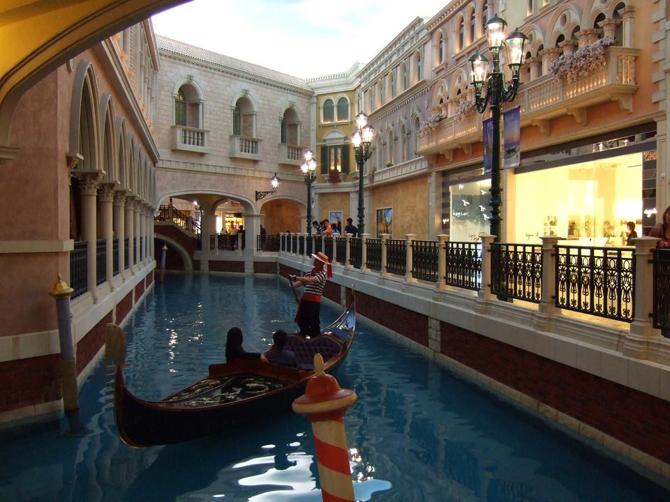 ……別の角度から見ると、観光客がイメージするほど広大な施設ではないことがわかる…