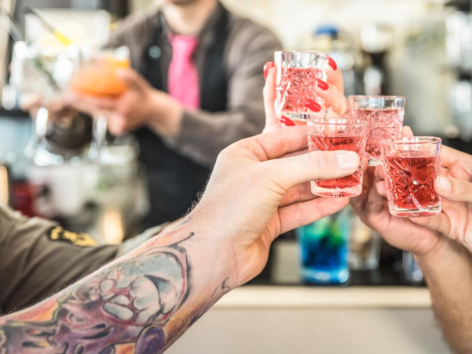 パーティーのメッカとして知られるラスベガスだけに、1日のどの時間帯でも、誰かが酒を飲んでいる場面に出くわすことも多い。運悪く、酔っ払って大声を上げる一団の騒音に悩まされる恐れもある。