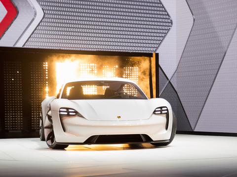 ポルシェ初の完全電気自動車「タイカン」は2019年に発売される予定。