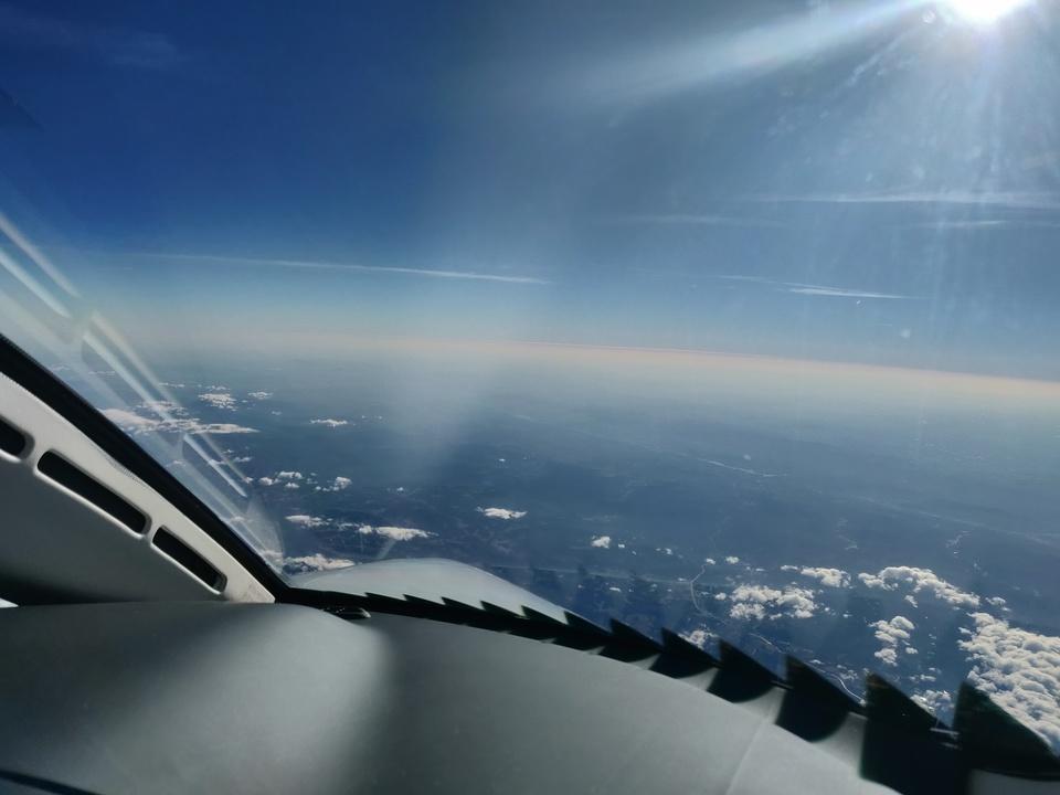 ホンダジェット エリート(HondaJet Elite):副操縦士席からの眺め