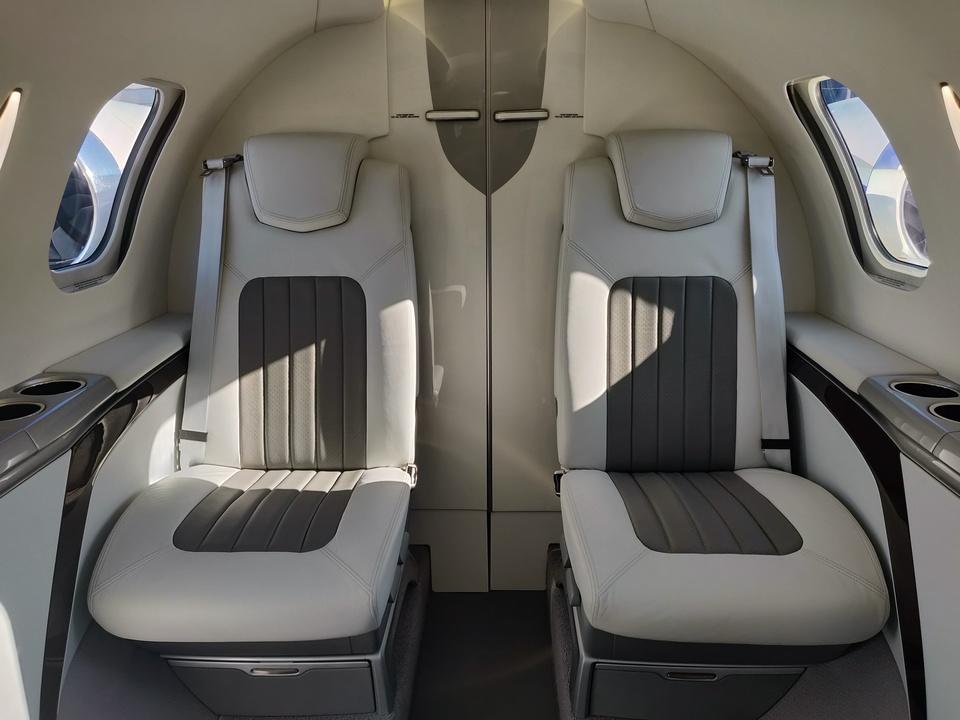 ホンダジェット エリート(HondaJet Elite):客室