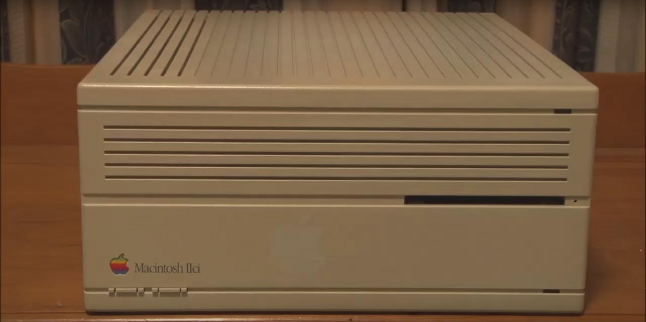 6位 Macintosh IIci(1989年)、8800ドル