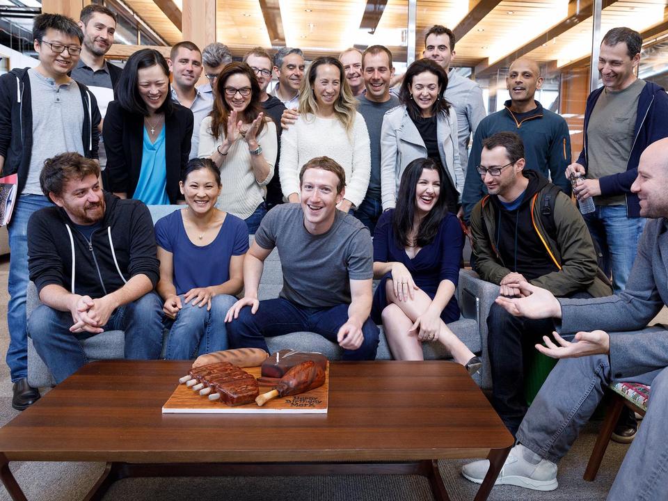 マーク・ザッカーバーグと初期のフェイスブックメンバー