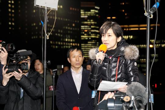 東京新聞・望月記者】官房長官会見で記者の質問が制限されていることを ...