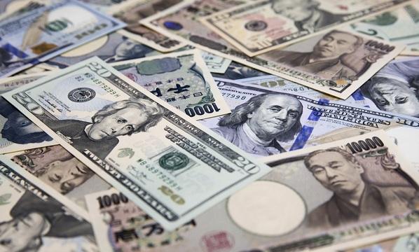 日本円、米ドル…。