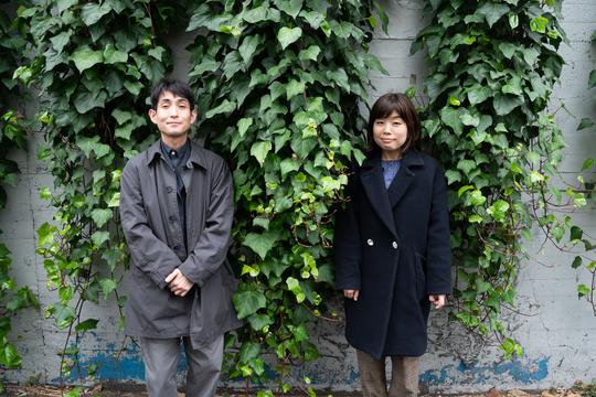 矢部太郎さんと山崎ナオコーラさん。