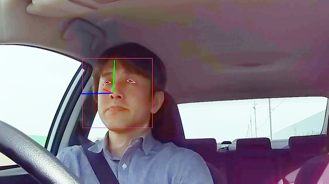 DeNA(ディー・エヌ・エー)の専用車載器の内向きカメラで撮影した映像