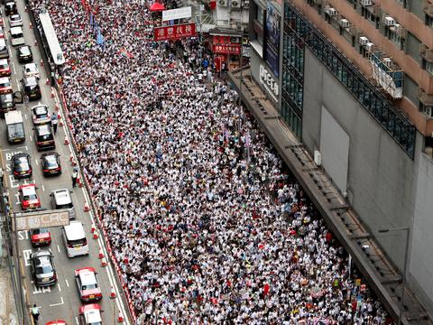 香港のデモ