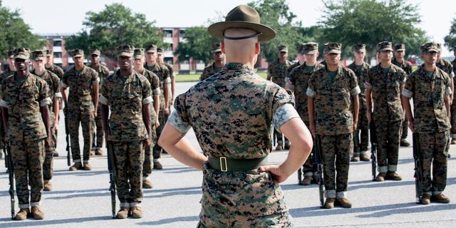 「アメリカ 新兵訓練所」の画像検索結果