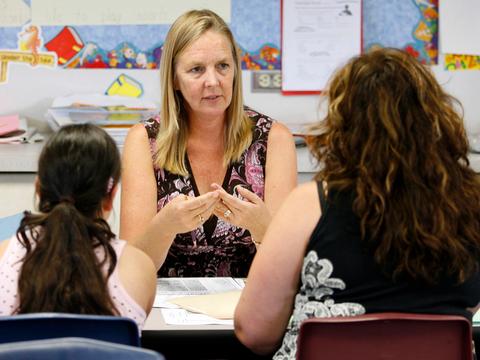 「教師にも思いやりを。我々も人間だから」とオハイオ州の匿名の教師は言った。