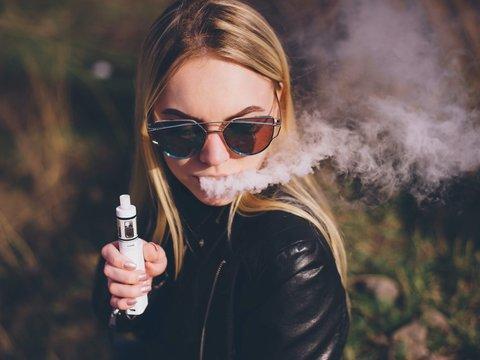電子タバコにはデバイスや原料、ブランドなど数えきれないほどの種類がある。