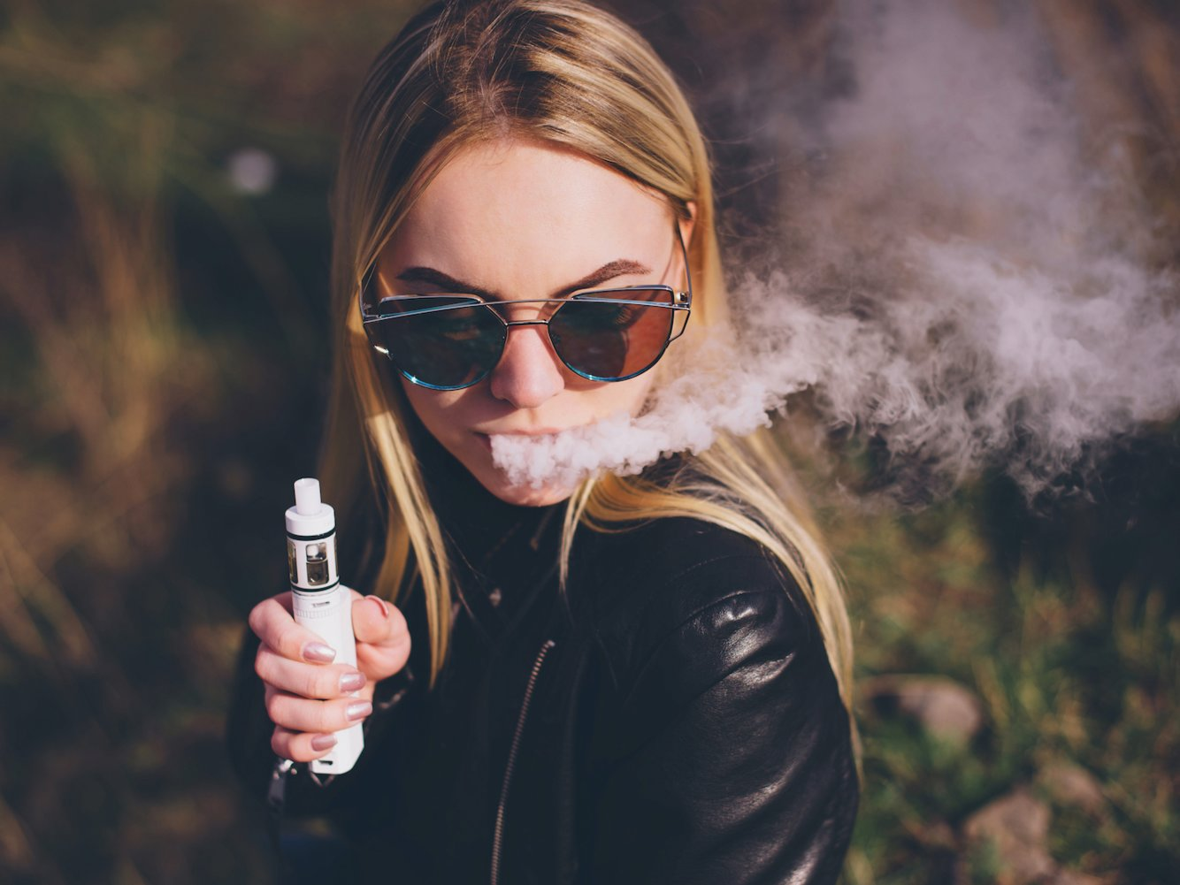 吸う タバコ 痛い が と を 胸