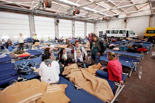 イタリア 地震 避難所