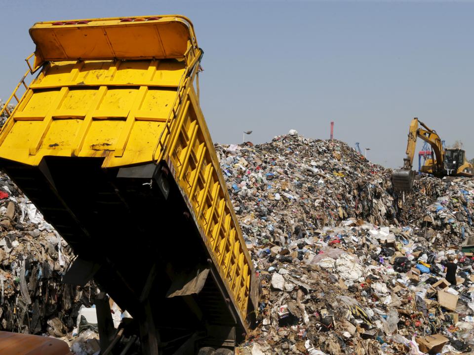 ゴミ処分場。ベイルート、レバノン。2015年9月。