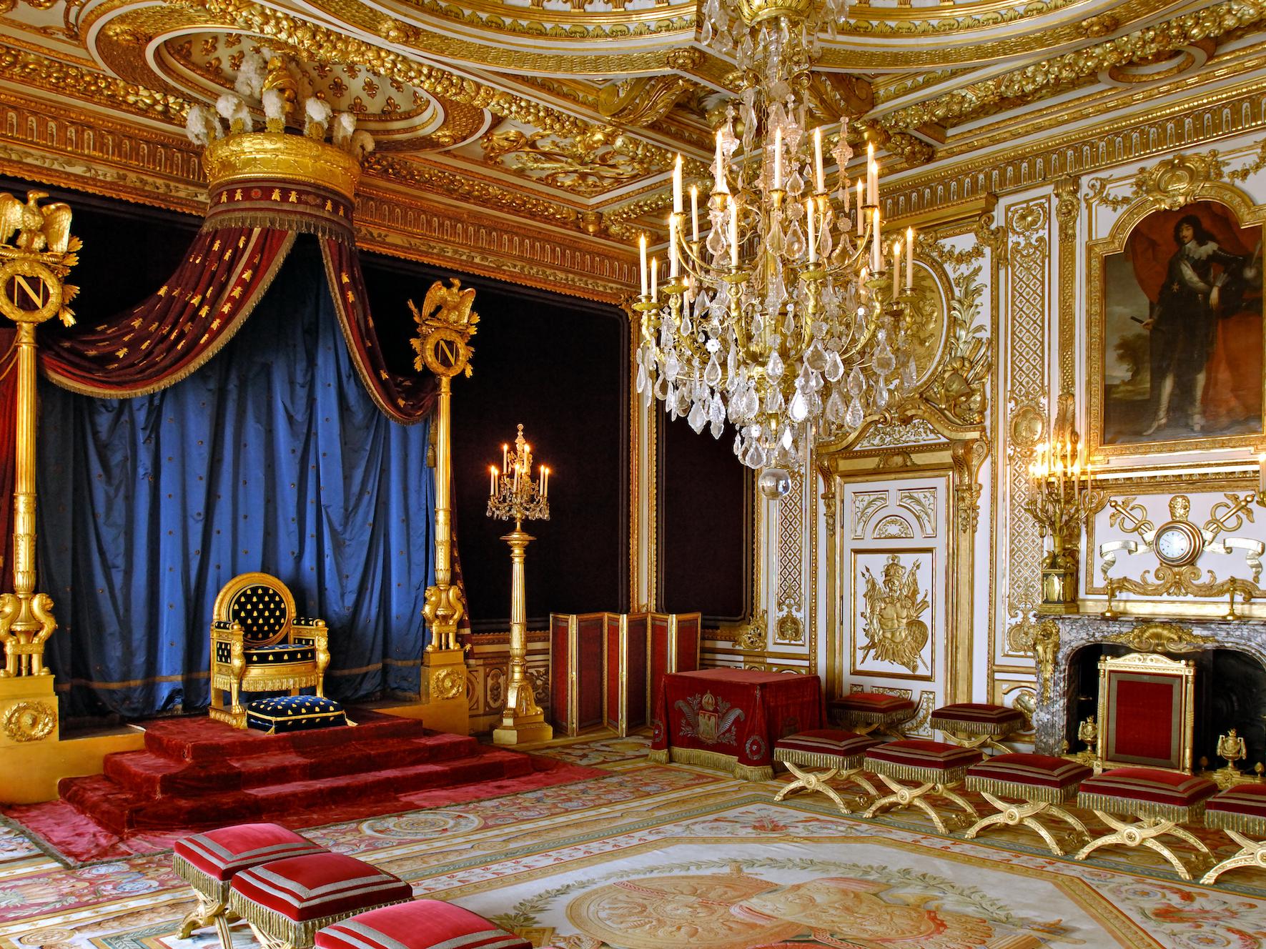 ナポレオンの子孫が披露宴をした、フランス最大の王宮を覗いてみよう ...