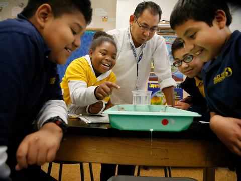 教師は、長いキャリア中断の後、比較的簡単に再就職できる。