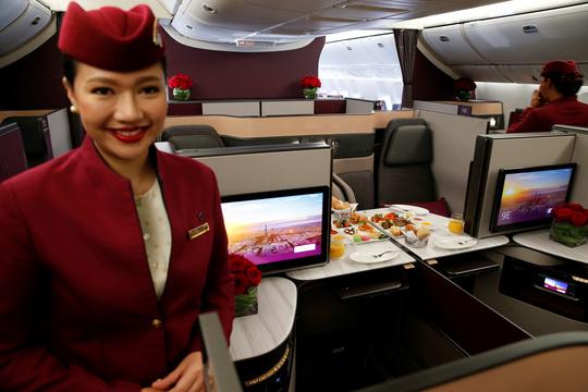 カタール航空の乗務員。