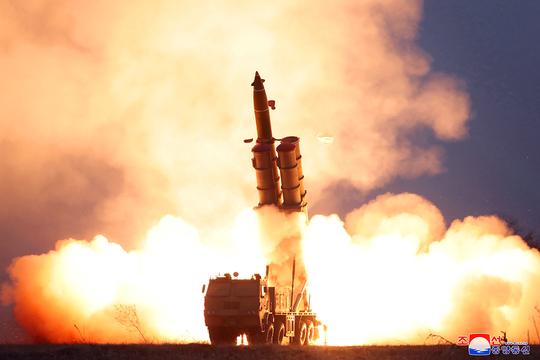 ミサイル 発射