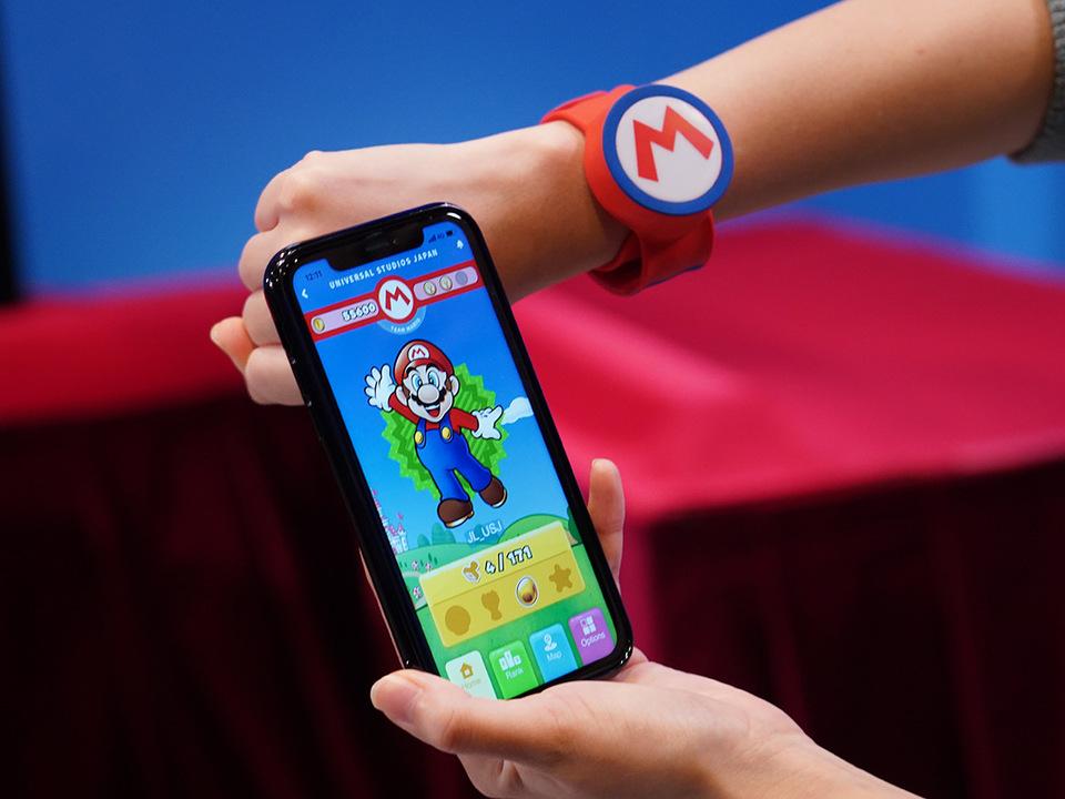 スマートフォンアプリとパワーアップバンド