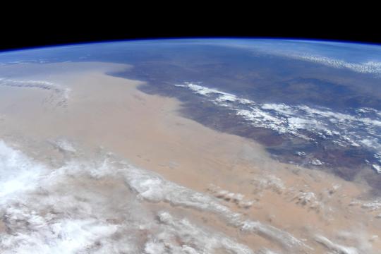 オーストラリア火災、宇宙ステーションからの最新の写真