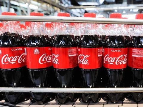 コカ・コーラがペットボトルをやめる気はない。