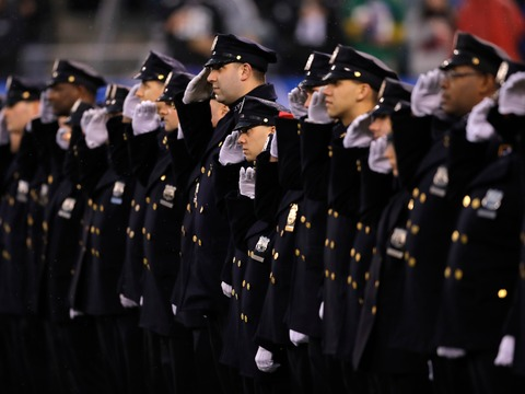 ニューヨーク市警は紙の手帳に別れを告げる。