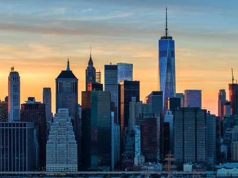 ニューヨーク・マンハッタンの高級住宅価格、供給量増加で2013年以降の最低水準に