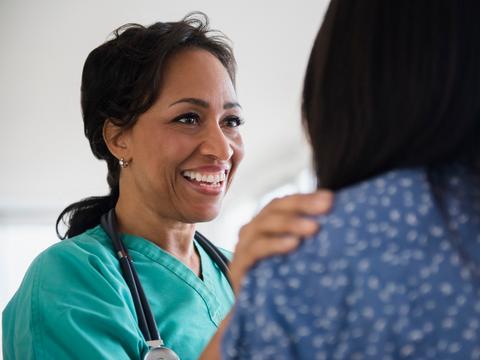 女性のための高給の仕事のいくつかは、ヘルスケア関連だ。