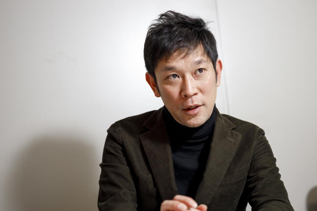 外食経営誌『月刊食堂』の通山茂之編集長。1974年生まれ。「日本の外食チェーン」の勃興、隆盛を消費者として見ている世代だ。