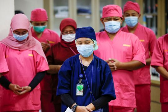 コロナウイルス影響にもジェンダー格差。医療従事者の7割は女性。日本 ...