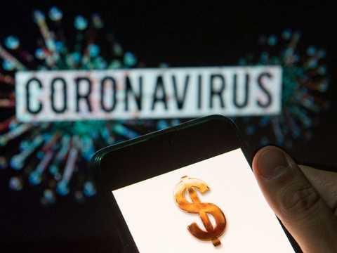 コロナウイルスとドルのイメージ