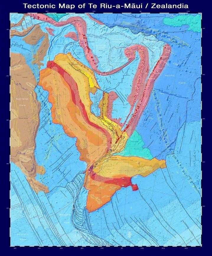 ジーランディアを構成する地殻、主要な断層、火山の種類と年代を示す地質図。