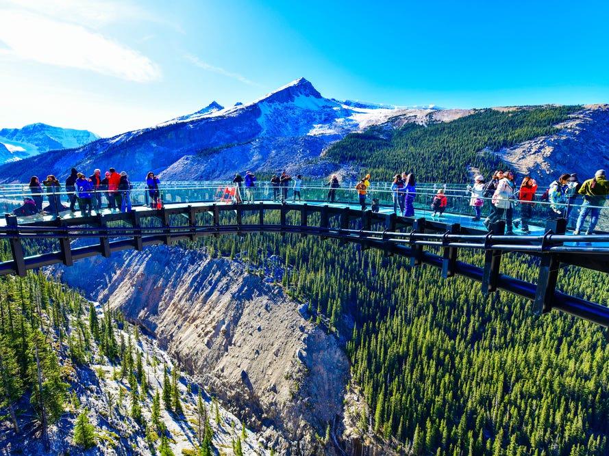 グレイシャー・スカイウォーク(Glacier Skywalk)。